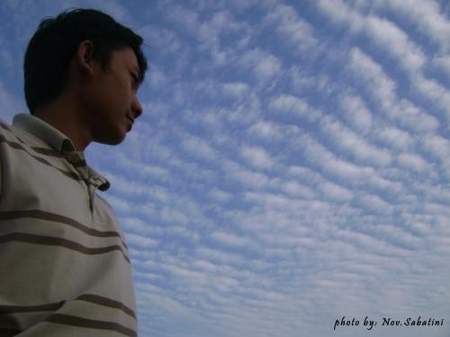menantang langit biru :)