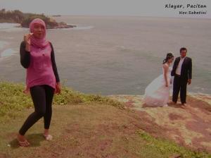 Ada yang pre-wedding di sana juga loh.. ^^